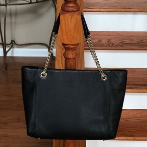 kate spade Bags - Sale! ♠️ Kate Spade pebbled leather tote ♠️